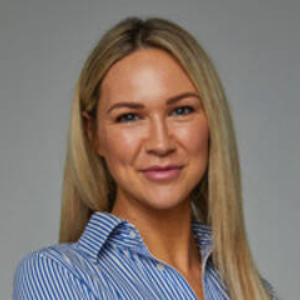Carrie  Lowndes Richardson and Wrench - South Brisbane Agent