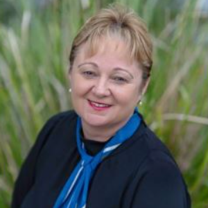 Marcia  Smith First National Parklands Agent
